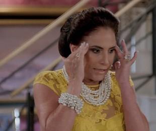 Na segunda (15), Mercedes (Totia Meireles) se assustará ao se deparar com Galdino (Gabriel Godoy) em seu quarto | TV Globo