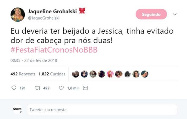 Jaqueline Grohalski fala sobre beijar Jéssica Mueller   (Foto: Reprodução/Twitter)