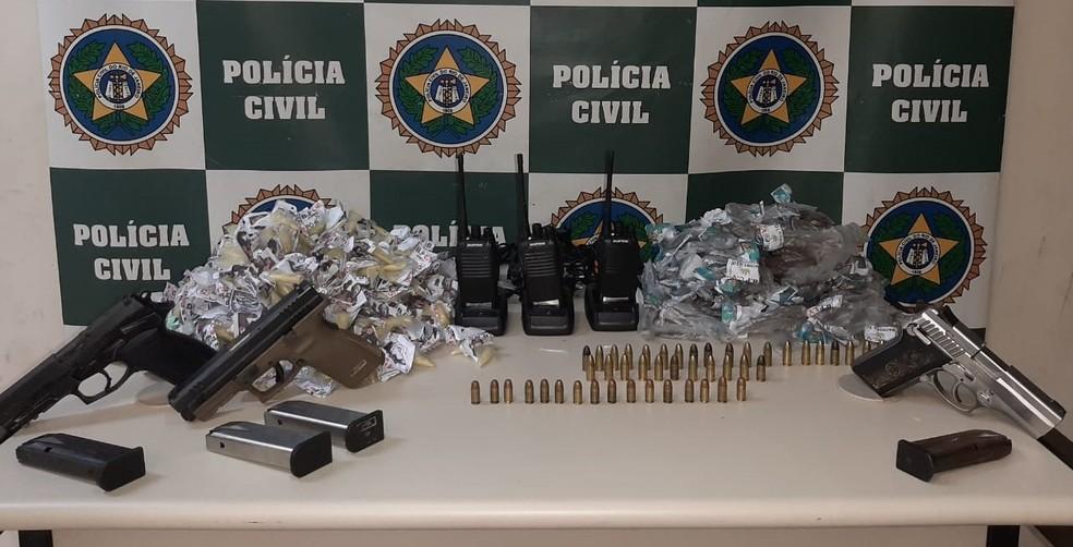 Material apreendido com menor em Barra do Pìraí — Foto: Polícia Civil