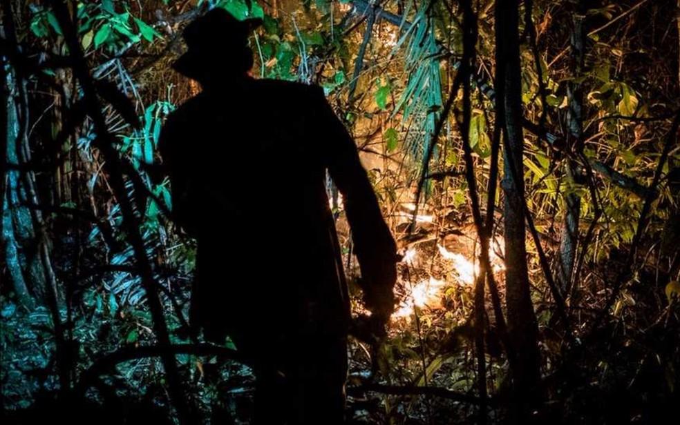 Combate ao incêndio no Parque Nacional da Chapada dos Veadeiros envolve mais de 100 bombeiros Goiás Alto Paraíso (Foto: Davi Boarato/BBC Brasil)
