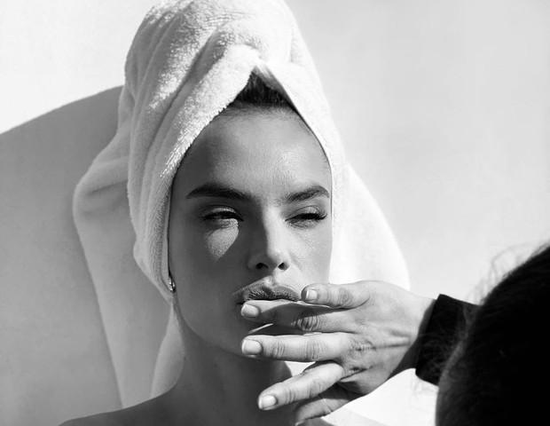 Alessandra Ambrosio (Foto: Reprodução)