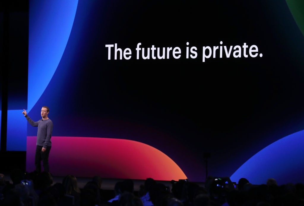 SAN JOSE, CALIFORNIA - APRIL 30: Facebook CEO Mark Zuckerberg speaks during the F8 Facebook Developers conference on April 30, 2019 in San Jose, California. Facebook CEO Mark Zuckerberg delivered the opening keynote to the FB Developer conference that run (Foto: Getty Images)