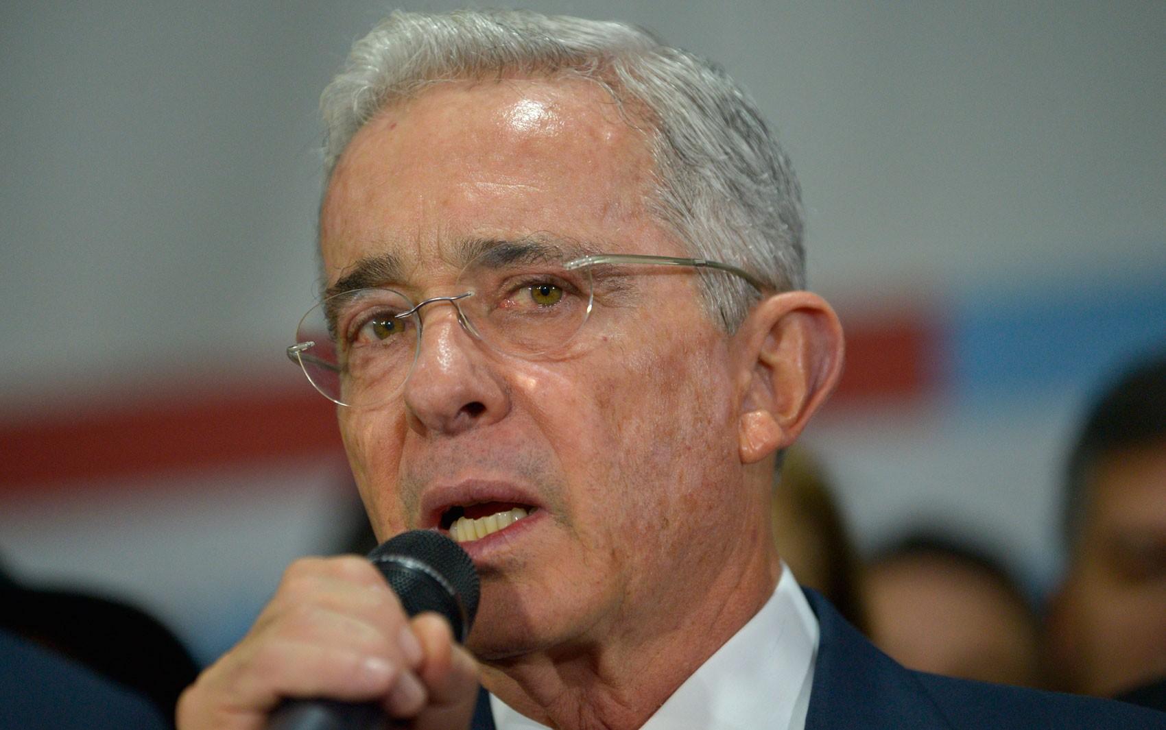 Mais de 100 homicídios: general do exército colombiano será acusado de crimes cometidos entre 2007 e 2008