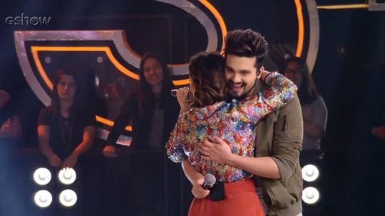 Luan Santana revela crush por Fernanda Souza na infância: 'Meu sonho era casar com você'
