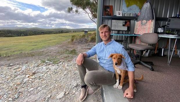 BBC Chris Scott lavora a distanza da un'isola in Tasmania (Foto: Chris Scott)