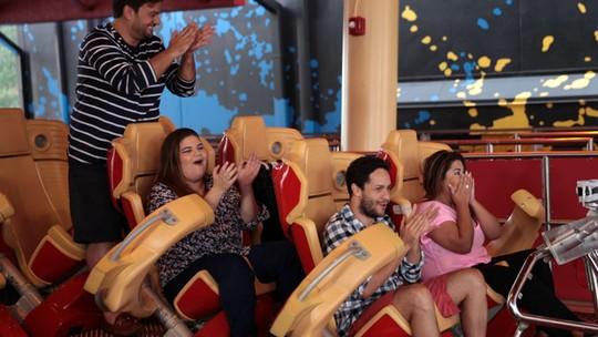Fabiana Karla supera o medo de montanha-russa e encara a 'Hollywood Rip Ride Rockit' do Universal Studios