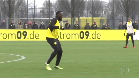 Usain Bolt treina futebol com o Borussia Dortmund, da Alemanha