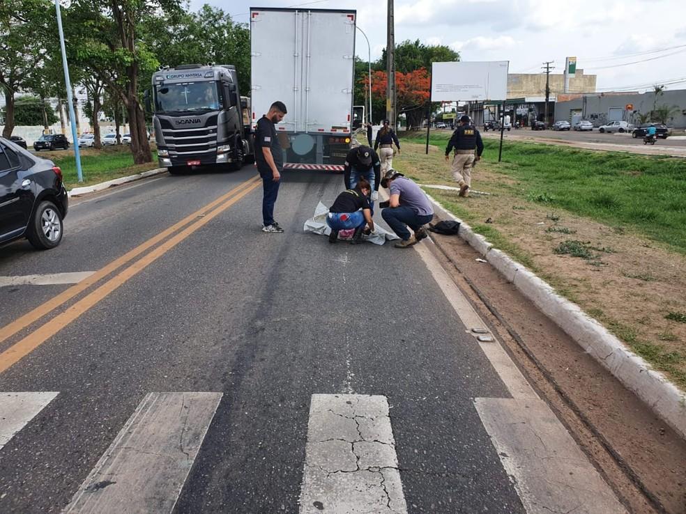 Carreta atropela e mata criança de 1 ano na BR-010 em Imperatriz — Foto: Divulgação/Polícia Rodoviária Federal