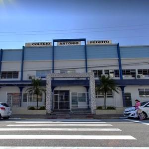 Colégio fica em Florianópolis, Santa Catarina (Foto: Google)