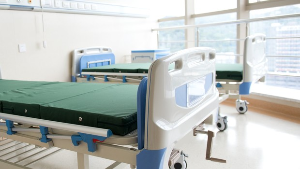 Leito de hospital vazio (Foto: Thinkstock)