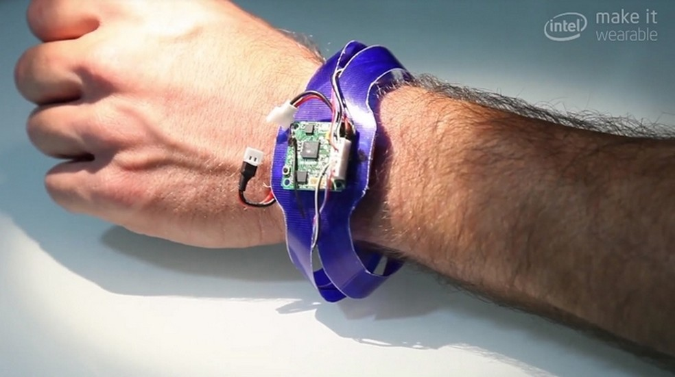 Nixie, drone wearable em forma de relógio  (Foto: Reprodução/Intel/YouTube)