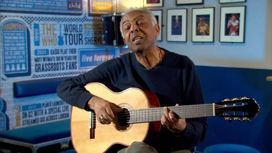 """Exclusivo: em Londres, Gilberto Gil canta """"Desafinado"""" em homenagem a João Gilberto"""