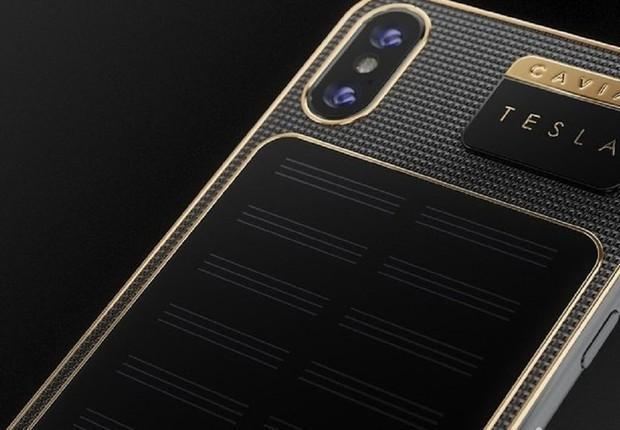 O iPhone X Tesla desenvolvido pela Caviar: modelo custa R$ 15 mil (Foto:  Divulgação)