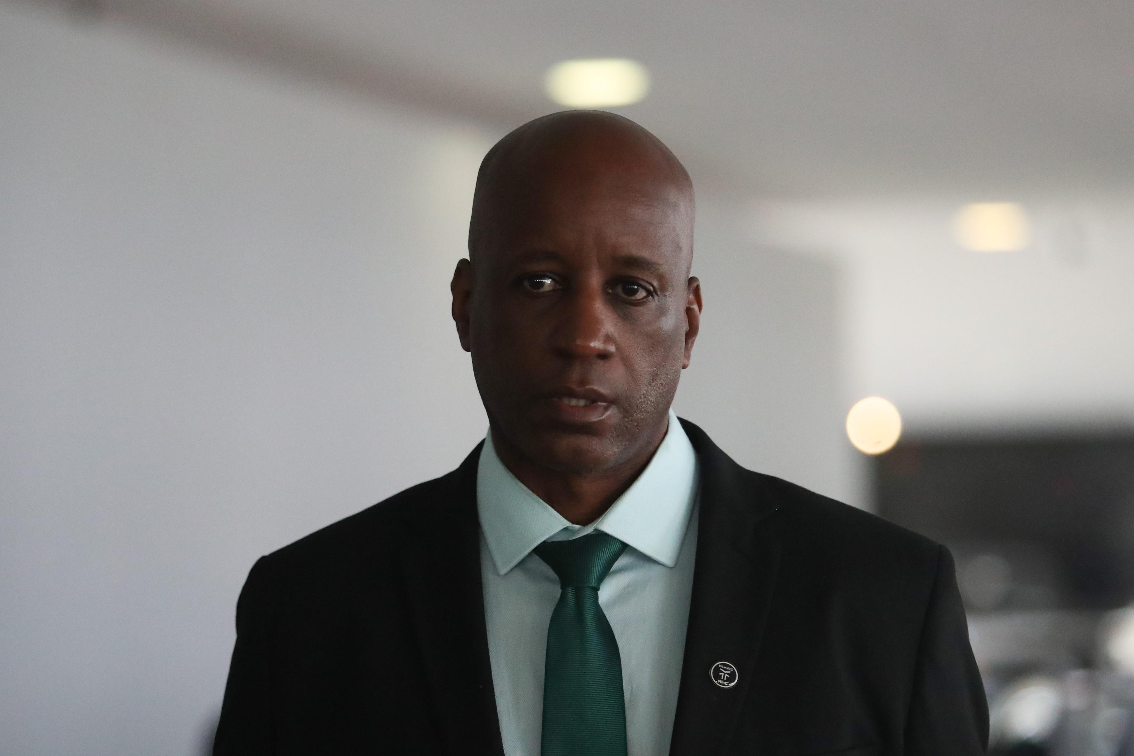 Justiça manda Sérgio Camargo retirar das redes sociais postagens contrárias à decisão que o proíbe de nomear ou exonerar funcionários da Fundação Palmares