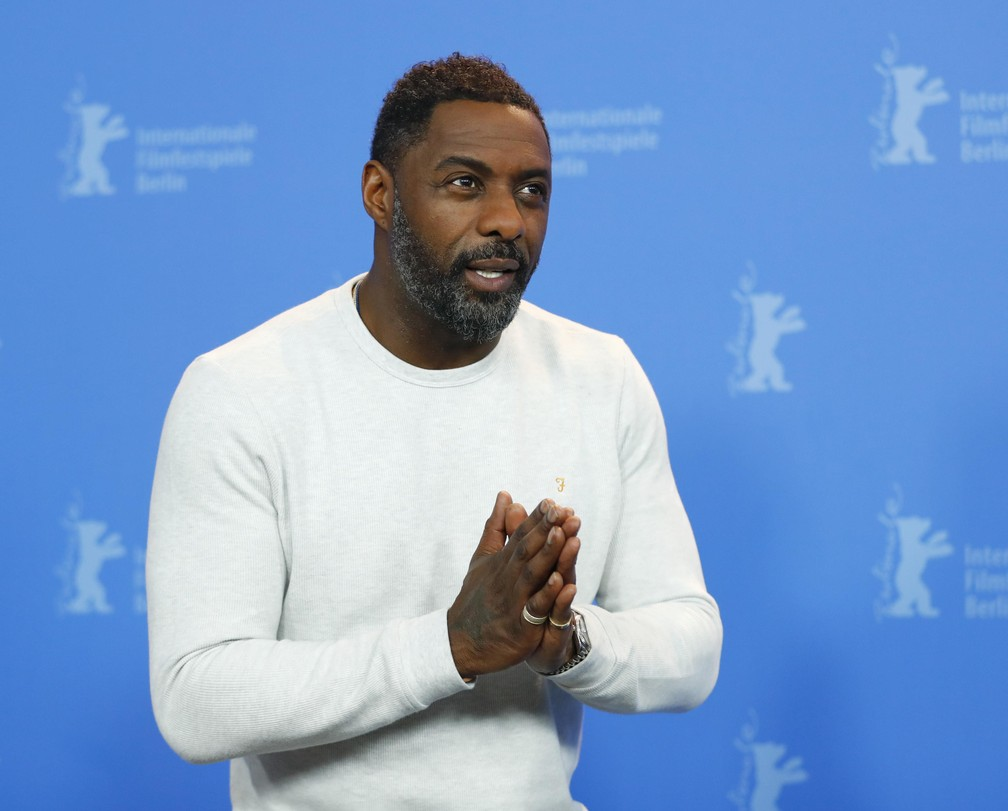 O ator e diretor Idris Elba posa durante evento de imprensa do filme 'Yardie' no 68º Festival de Cinema de Berlim  (Foto: REUTERS/Hannibal Hanschke)