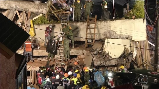 Frida Sofia: caso de menina achada sob escombros é falso, diz Marinha