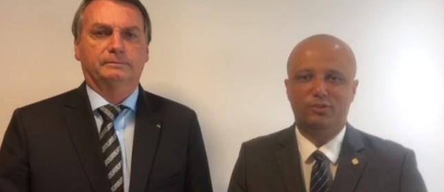 Bolsonaro e Vítor Hugo