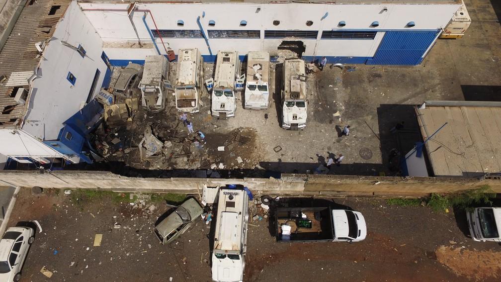 Imagens de drone mostram a destruiçao na empresa Brink's após ataque em Ribeirão Preto, SP — Foto: Alexandre Sá/EPTV