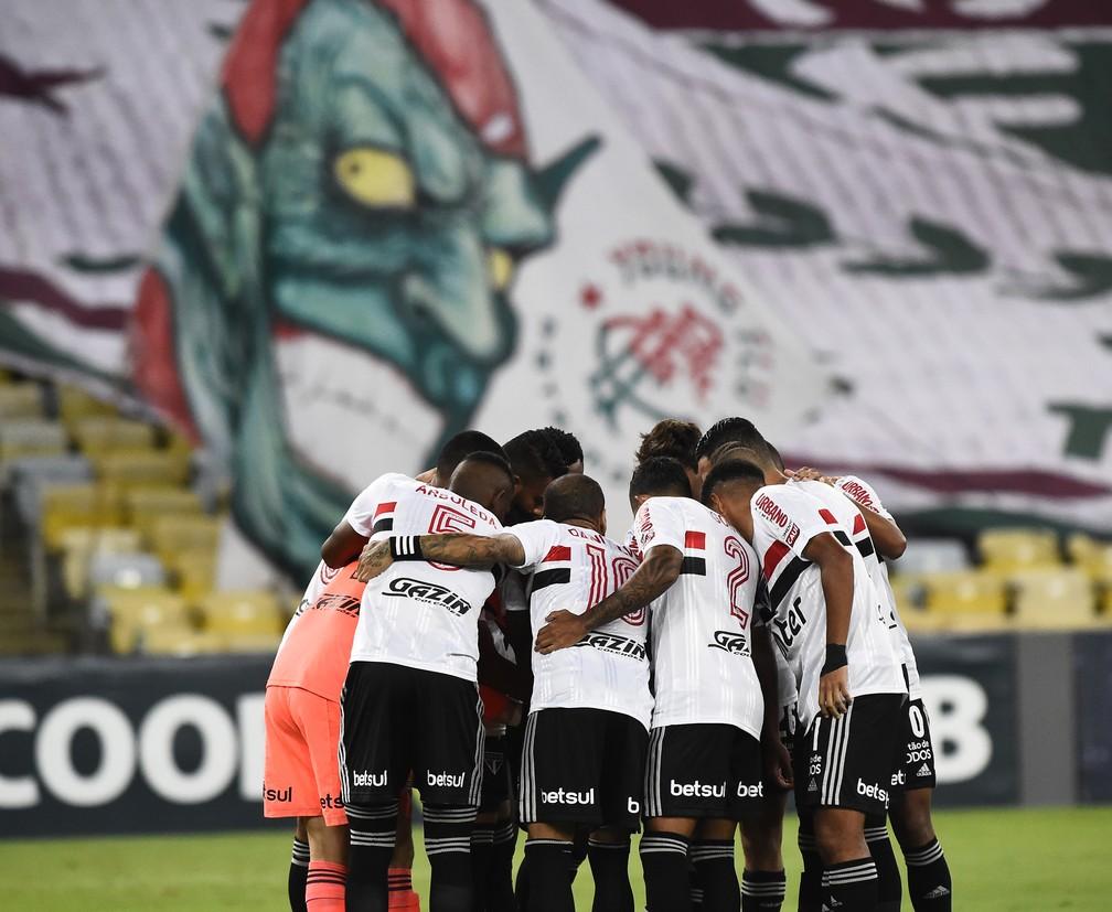 São Paulo venceu o Fluminense no Maracanã e abriu vantagem na liderança  — Foto: André Durão