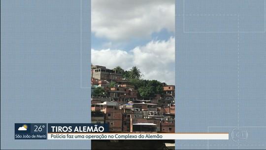 Após tiroteio, PM faz operação no Complexo do Alemão, Zona Norte do Rio