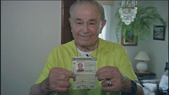 Aos 100 anos, idoso faz academia, dirige e pesca: 'A vida é um manso lago azul'