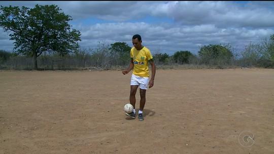 Orgulho da família, pernambucano do Futebol de 5 sonha com o ouro no Rio