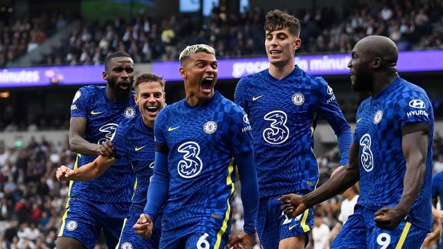 Thiago Silva comemora gol do Chelsea contra o Tottenham