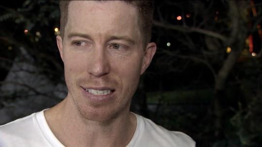 """Tri olímpico, Shaun White quer vaga em Tóquio e convida Pedro Barros: """"Vamos surfar no Havaí"""""""