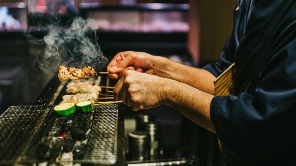 A forma de cozimento dos alimentos pode influenciar nos resultados — Foto: Getty Images