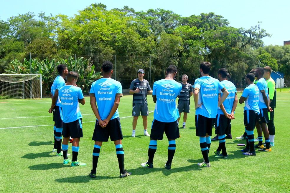 Treze jogadores da base já se apresentaram e treinam no CT de Eldorado do Sul (Foto: Rodrigo Fatturi / Grêmio)