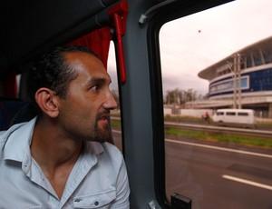 No trajeto do aeroporto ao Olímpico, Barcos passou pela Arena do Grêmio (Foto: Lucas Uebel/Grêmio FBPA)