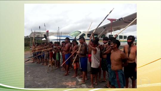 Índios Yanomami impedem que servidores deixem norte de Roraima desde domingo