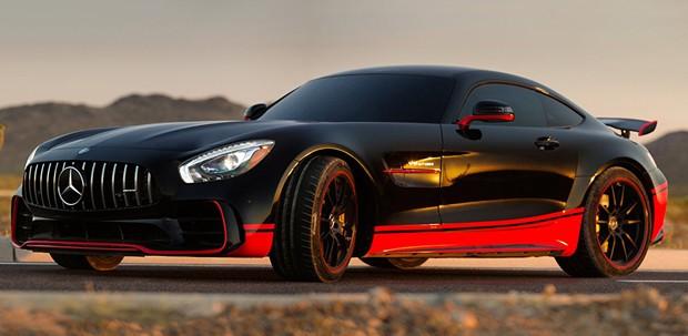 """Mercedes-AMG GT dá vida ao personagem Drift em """"Transformers: O último cavaleiro"""" (Foto: Divulgação)"""