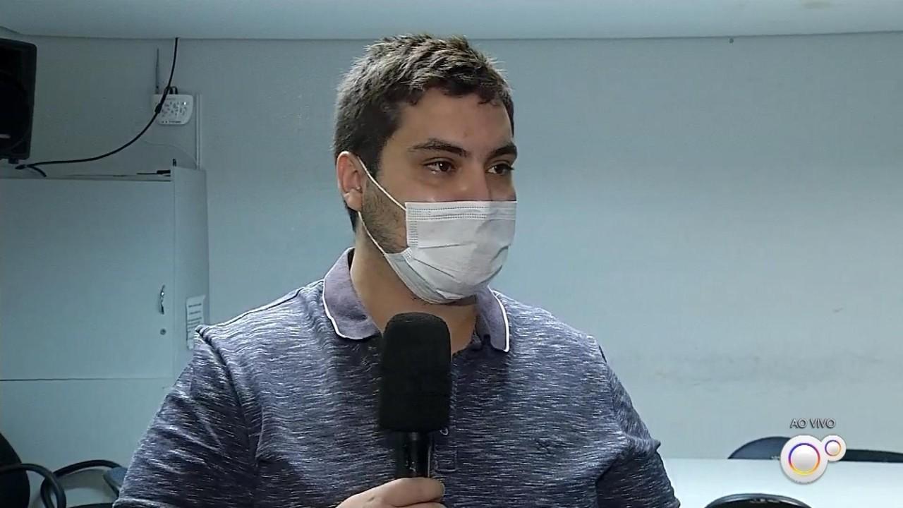 Agentes de saúde visitam moradores em casa para atualizar cadastro do SUS em Ourinhos