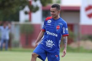 Atacante espera vitória contra o CRB (Foto: Divulgação/Vila Nova)