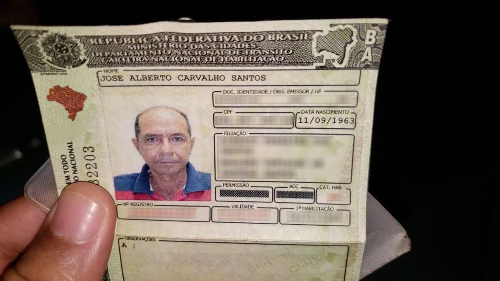 Motorista e casal são mortos a tiros em táxi no sul da Bahia — Foto: Blog Verdinho Itabuna