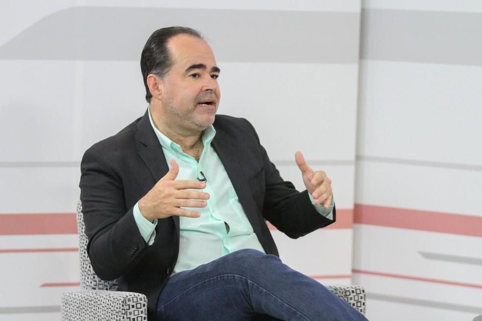 Julio Lossio, candidato da Rede ao governo de Pernambuco, durante entrevista ao G1 — Foto: Marlon Costa/Pernambuco Press