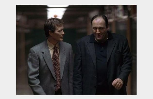 'Família Soprano': 'Pela relação com o poder do personagem mafioso, o respeito que ele tem com a familia e a manutenção do poder tipicamente italiano. Muito interessante ver um cara do poder na cadeira do analista' (Foto: Divulgação)
