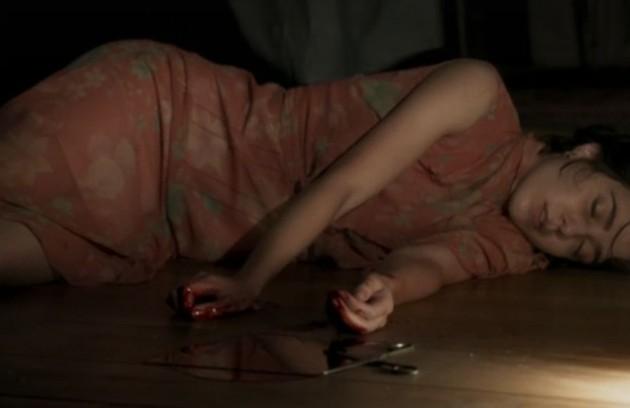 Em 'Ligações perigosas', Mariana (Marjorie Estiano) cortou os pulsos para tentar se matar  (Foto: Reprodução)