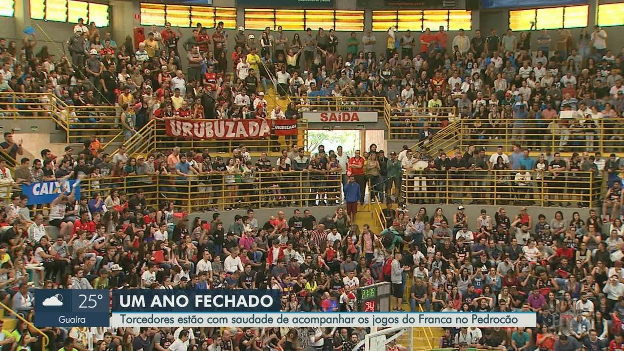 Após um ano fechado, torcedores sentem saudade de irem ao ginásio em Franca, SP