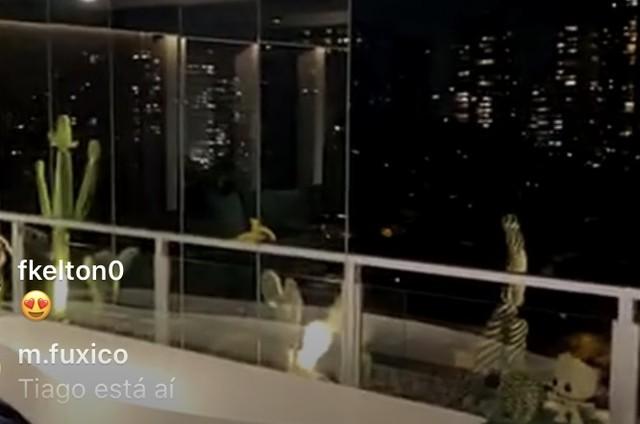 Tiago Abravanel mostra sua varanda (Foto: Reprodução)