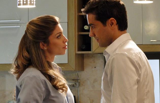 Grazi Massafera engravidou de Sofia, sua filha com Cauã Reymond, durante as gravações de 'Aquele beijo', em 2011 (Foto: TV Globo)
