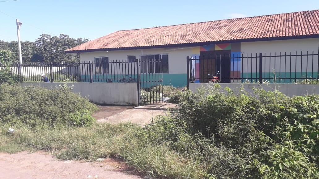 Sem acordo entre prefeitura e governo do AP, creches entregues há cinco anos seguem fechadas