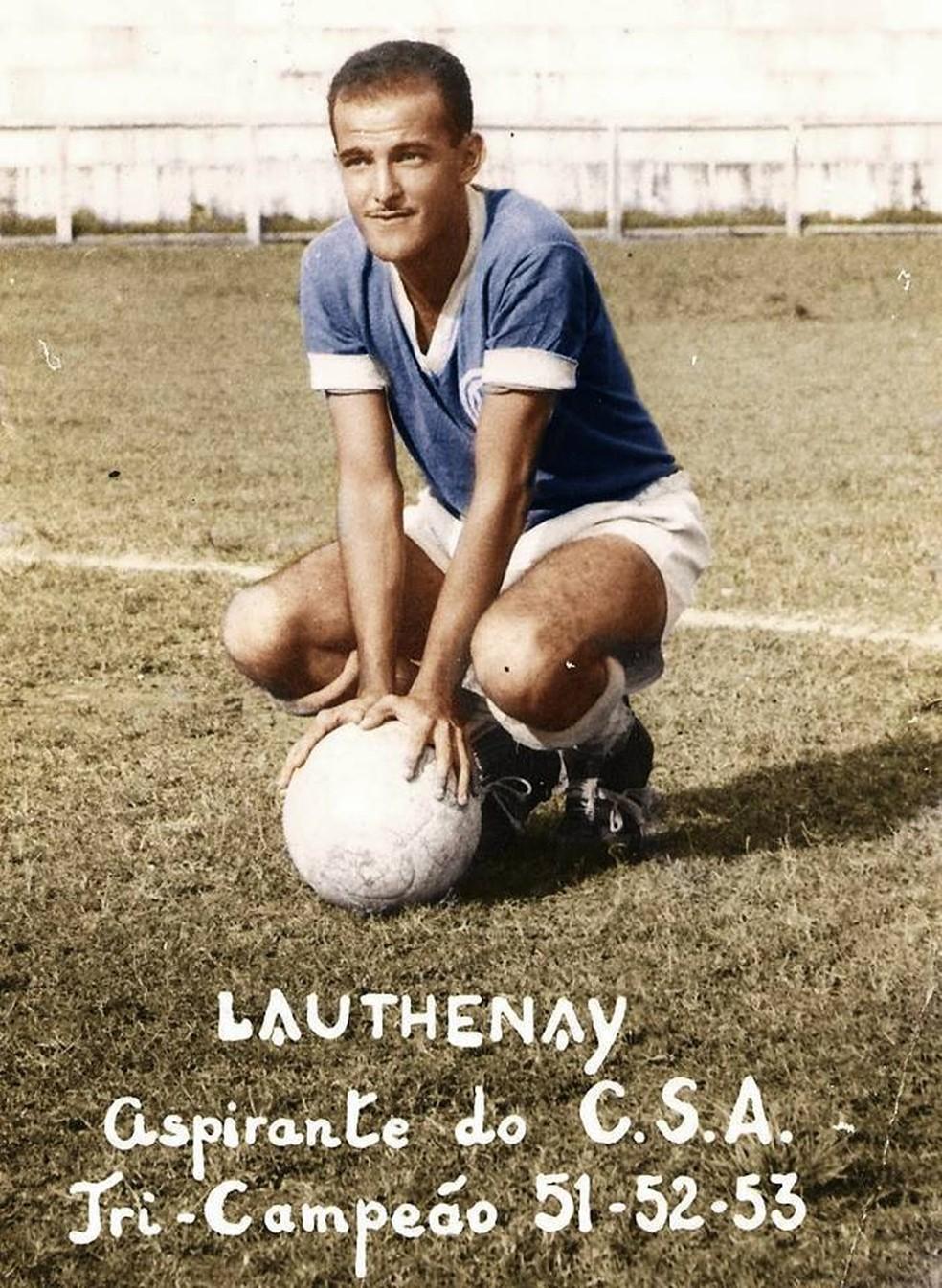 Lauthenay Perdigão jogou no CSA na década de 50 — Foto: Arquivo pessoal