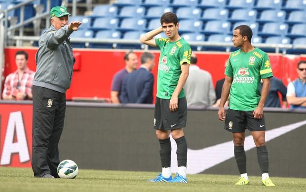 Felipão, Oscar e Lucas Treino Seleção Brasileira (Foto: Mowa press)