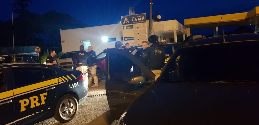 Operação Boleia foi deflagrada nesta terça-feira (18) em cidades do Paraná e de Santa Catarina — Foto: PRF/Divulgação