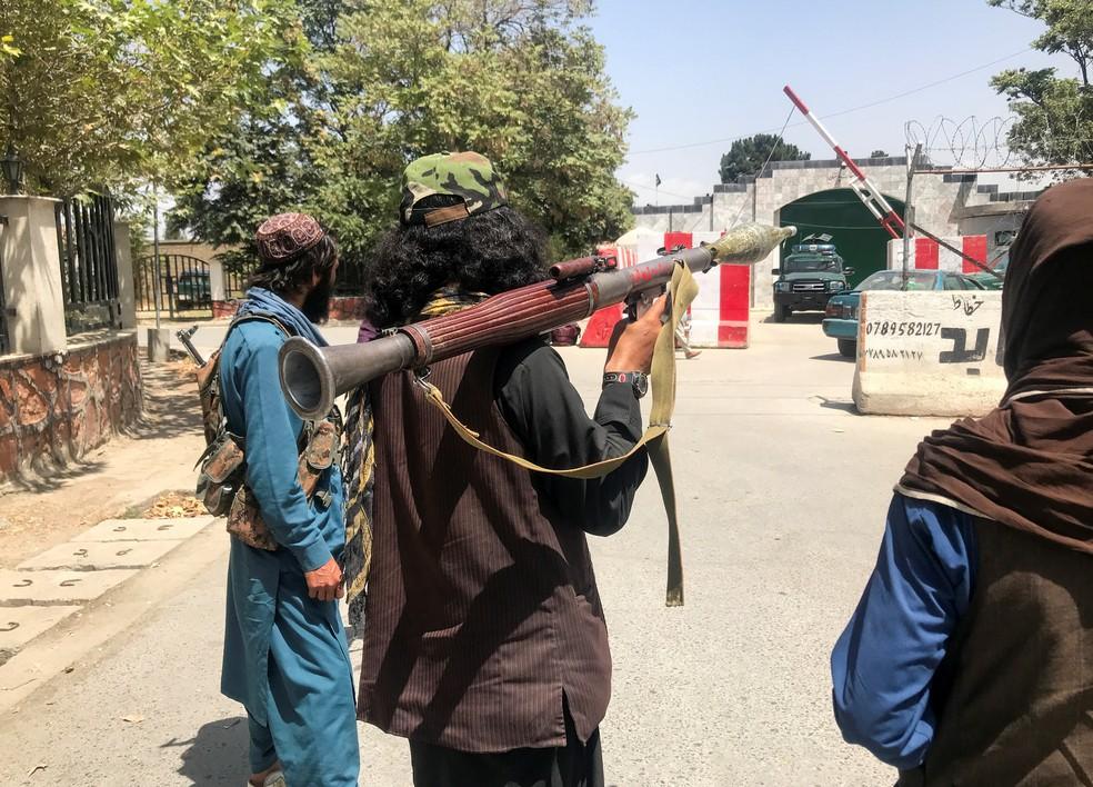 Membros do Talibã em Cabul, no Afeganistão, em 16 de agosto de 2021 — Foto: Reuters