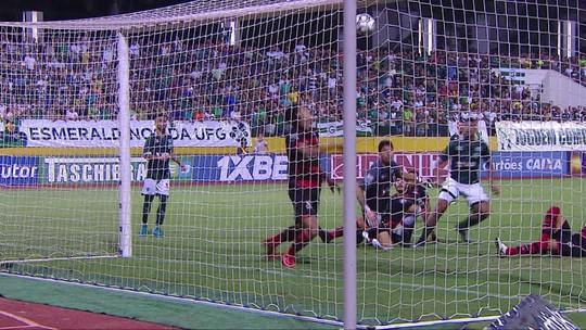 Auxiliar do Atlético-GO lamenta derrota e explica escalação de Victor Oliveira no clássico contra o Goiás