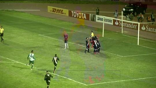 """Apesar da classificação, comentarista não poupa o Vasco: """"Jogou nada"""""""