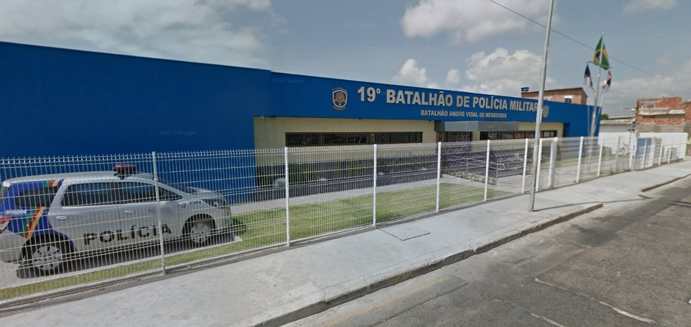 Policiais foram presos dentro do 19º Batalhão da Polícia Militar, na Zona Sul do Recife (Foto: Reprodução/Google Street View)